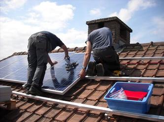 solar-panels-943999_1920